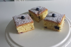 lemon-and-blueberry-tray-bake